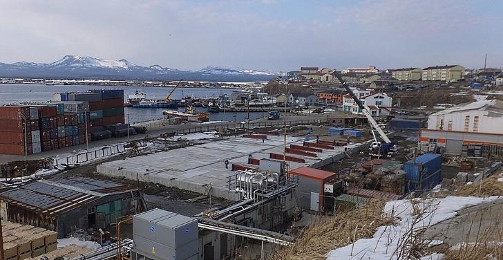 На острове Кунашир заложен фундамент для нового рыбоперерабатывающего предприятия