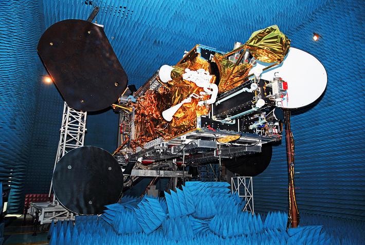 Наземные испытания спутника «Ямал-401»