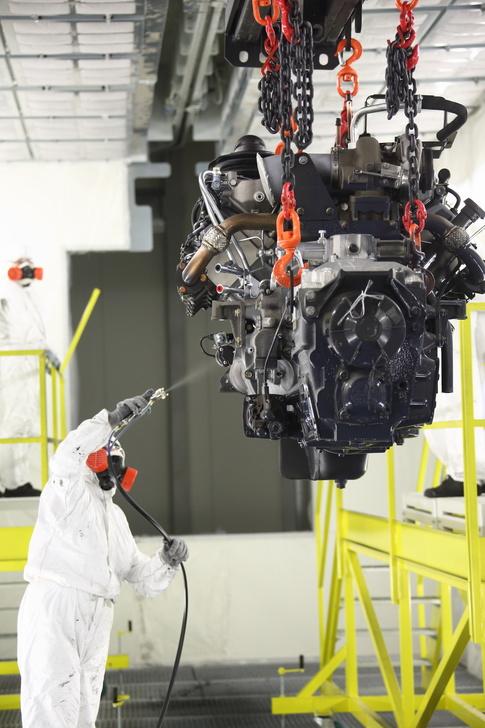 На КАМАЗе запущена линия окраски двигателей