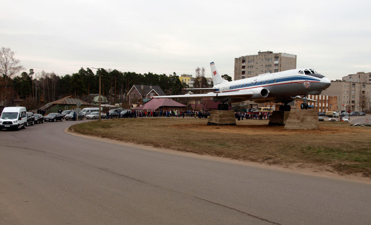 К 130-летию Андрея Туполева в Тверской области открыли памятник самолету Ту-124