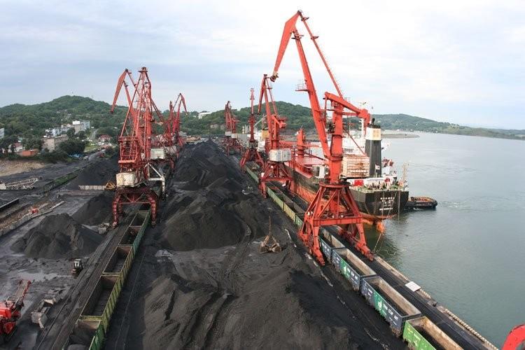 Торговая компания из Владивостока хочет обанкротить угольный порт в Посьете