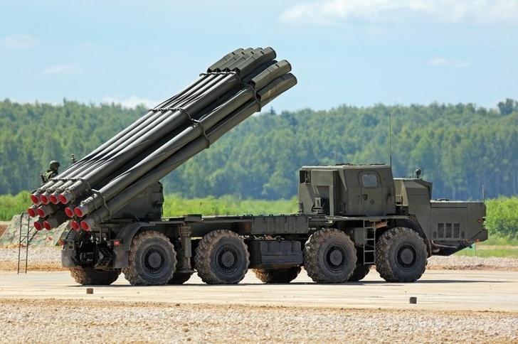 Российская армия приняла на вооружение первую бригаду РСЗО «Торнадо-С»