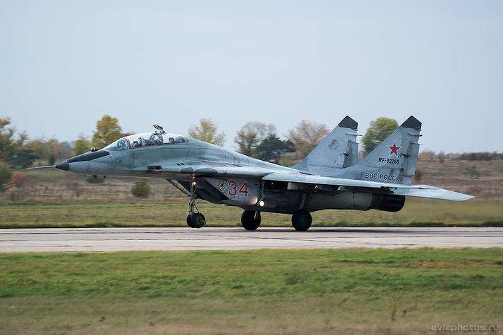 Микоян-Гуревич МиГ-29УБ (RF-92265 / 34 красный) ВКС России 0260_D805970