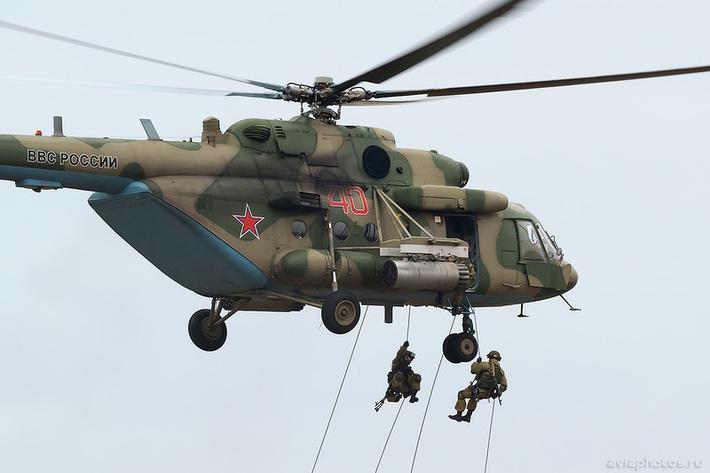 Миль Ми-8МТВ-5 (RF-24775 / 40 красный) ВКС России 0431_D806106.jpg