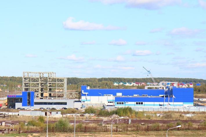 Заводы компании «Аквонова» (на переднем плане) и «Промтех-Дубна»