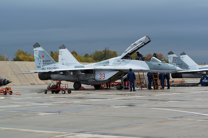 Микоян-Гуревич МиГ-29УБ (RF-92231 / 39 красный) ВКС России 0025_D805759