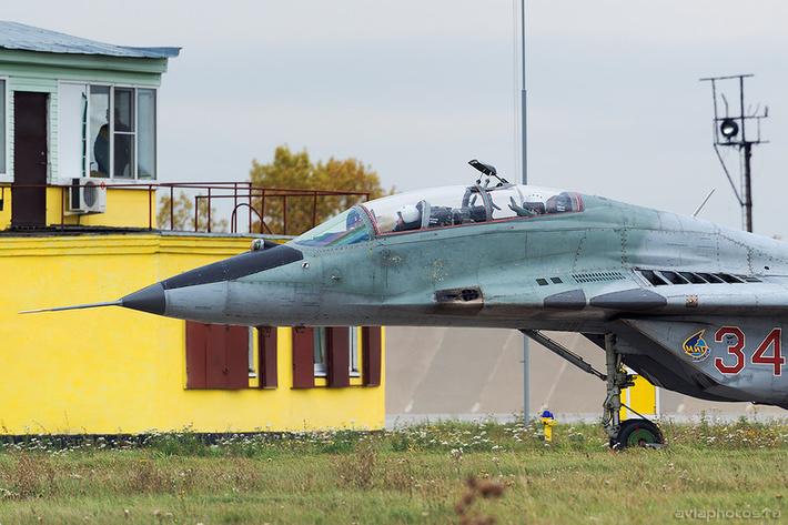 Микоян-Гуревич МиГ-29УБ (RF-92265 / 34 красный) ВКС России 0153_D805871