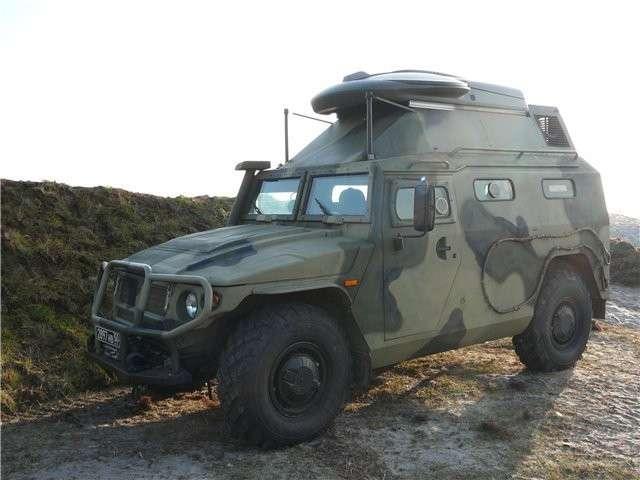 Автомобиль специальной и космической связи на базе бронеавтомобиля СПМ-2