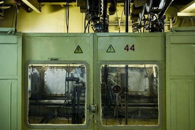 Сепараторная установка СУ-20. Источник ионизации в цеху производства изотопов © ИТАР-ТАСС/Донат Сорокин