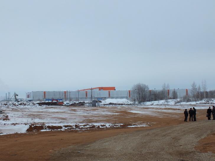 Завод Форд-Соллерс, рядом строится штамповочное производство