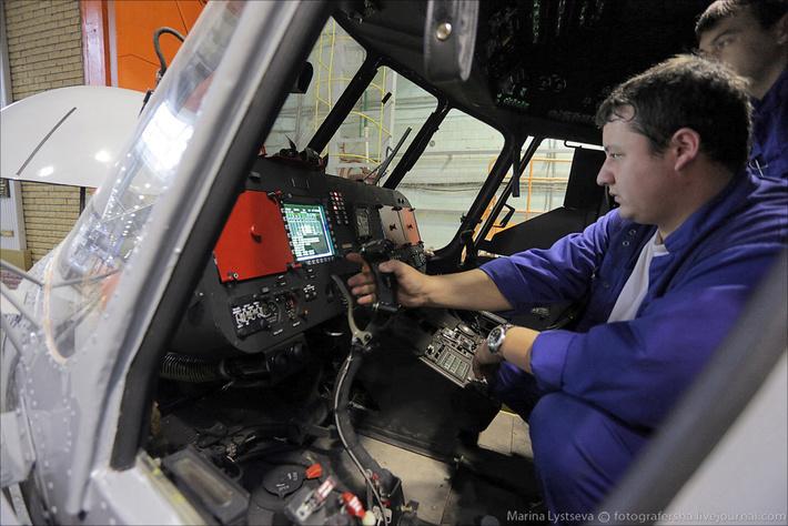 Выпускаемые в Казани модификации вертолетов Ми-8/17 - это техника нового поколения. Фото © Марина Лысцева