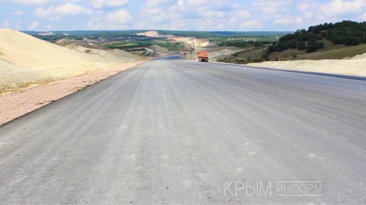 Компания «ВАД» заасфальтировала первый отрезок севастопольского участка трассы «Таврида»
