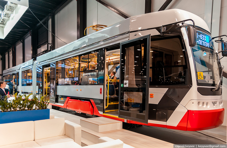 Трамвай модели 71-633. Архивное фото