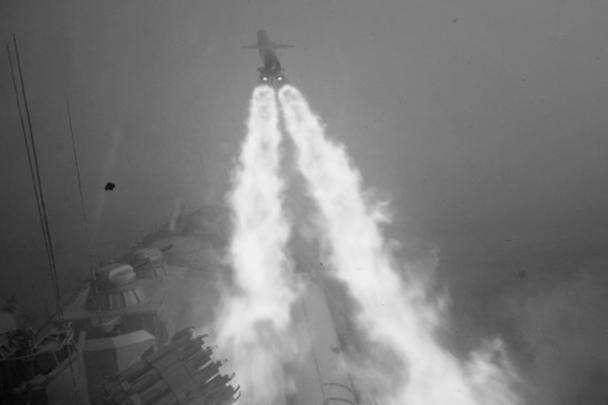 Флагман межфлотского отряда кораблей ВМФ России ракетный крейсер «Москва» выполнил в Атлантическом океане ракетную стрельбу главным комплексом по имитатору надводной цели. Мишень была поражена крылатой ракетой