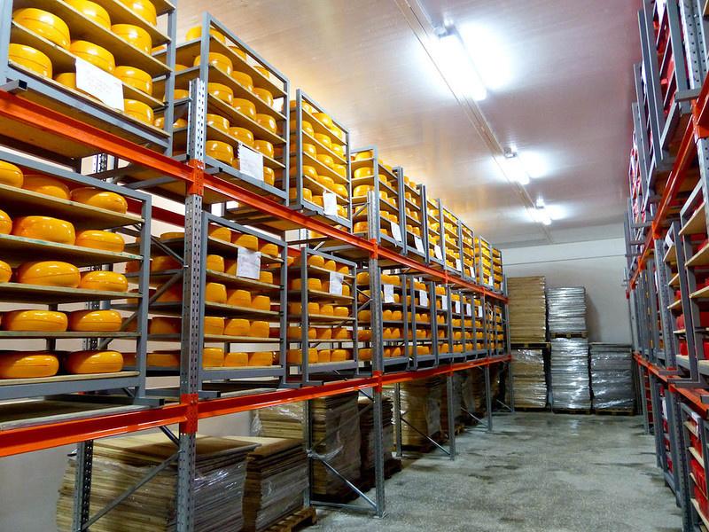 Как делают настоящий украинский сыр Как это сделано