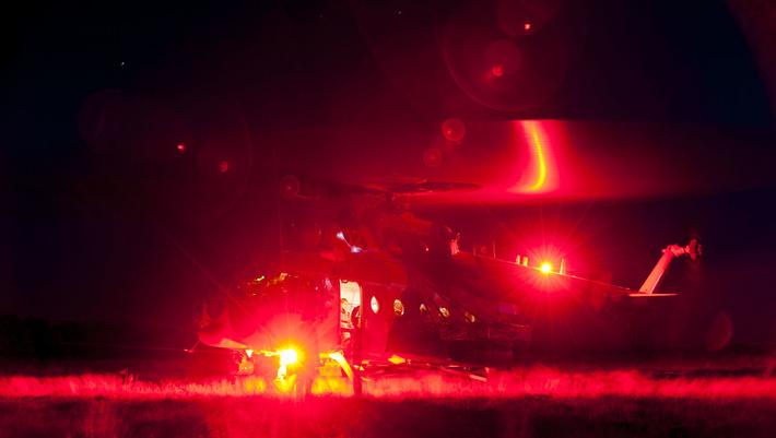 Многоцелевой вертолёт Ми-171 Ш пограничной службы Казахстана на ночных полётах