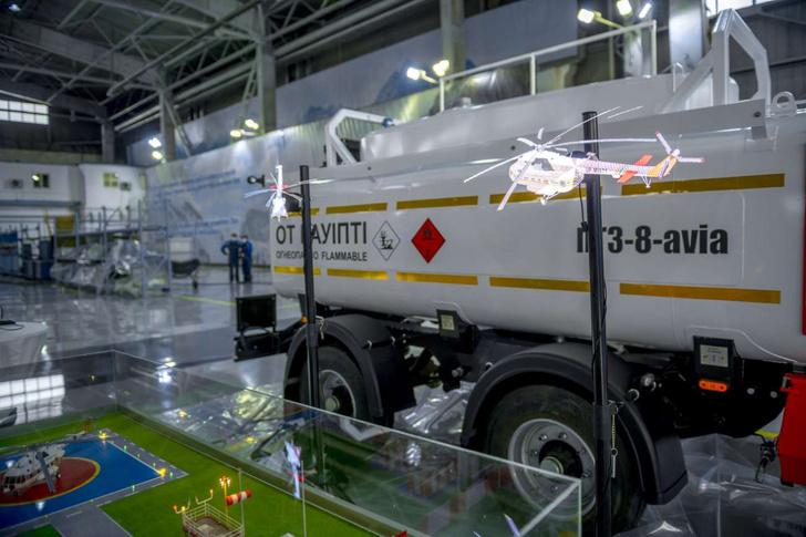 Для работ по тушению лесных пожаров предусмотрены мобильные топливозаправщики, которые будут поставляться в комплекте с вертолетом
