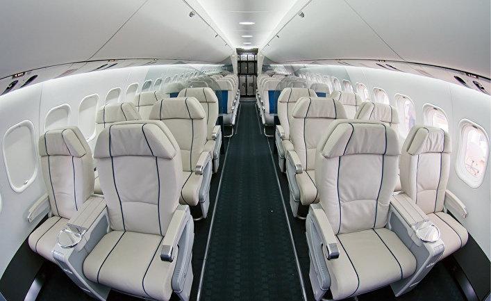 Полноразмерный макет салона МС-21 на авиасалоне МАКС-2011