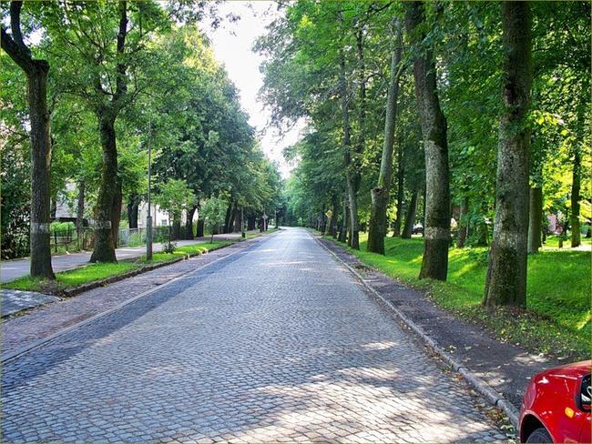 komovaleriya Улица Правдинска. брустчатка конка правдинск пруссия рельсы старина...