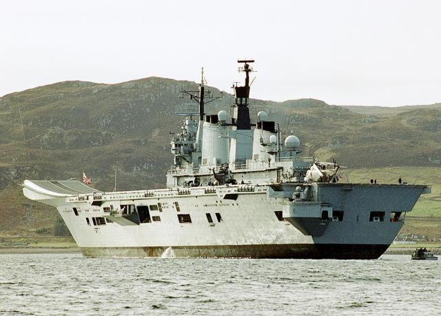 Англия-авианосец-Illustrious R-07