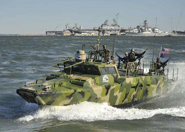 США-катер-RCB-X