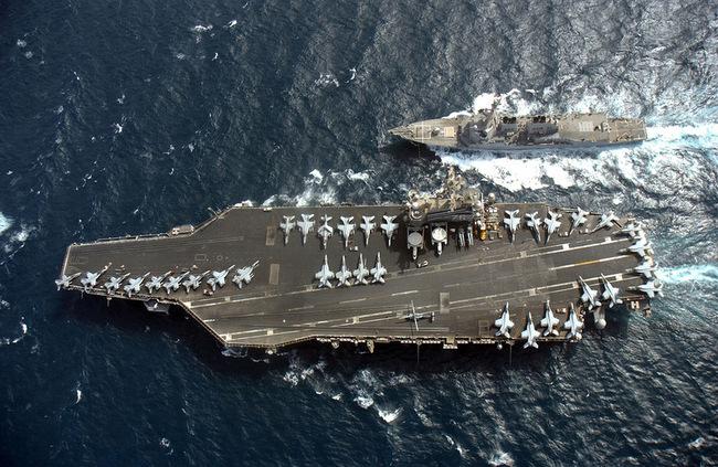 США-McCampbell DDG-85 и -Ronald Reagan CVN-76