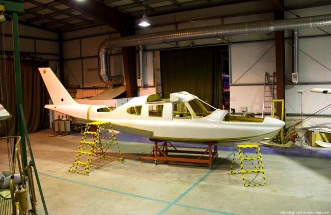 Самолет без крыльев чем-то напоминает катер.