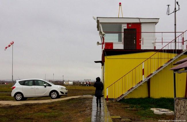 """У НПО """"АэроВолга"""" есть собственное конструкторское бюро в отдельном здании, на крыше которого находится диспетчерский пункт."""