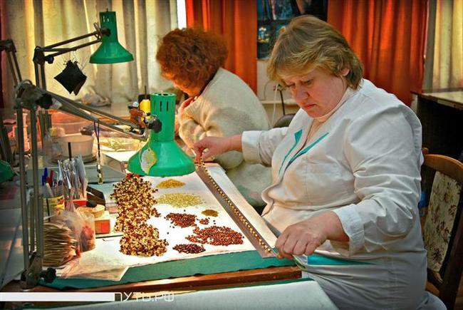 Картинки по запросу калининградский янтарный комбинат