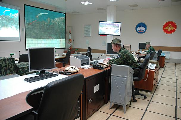 Общий вид главного зала командного пункта РЛС «Дон-2Н».