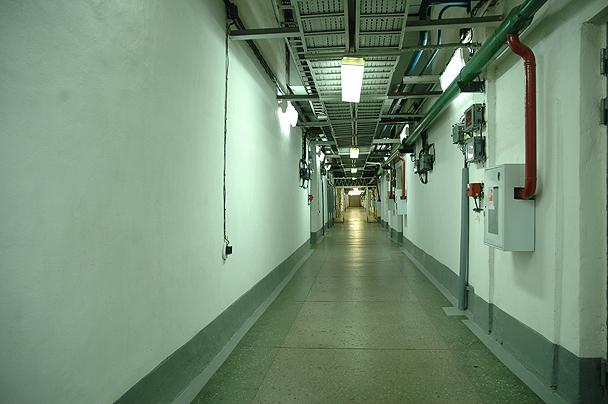Так выглядят технологические коридоры станции.