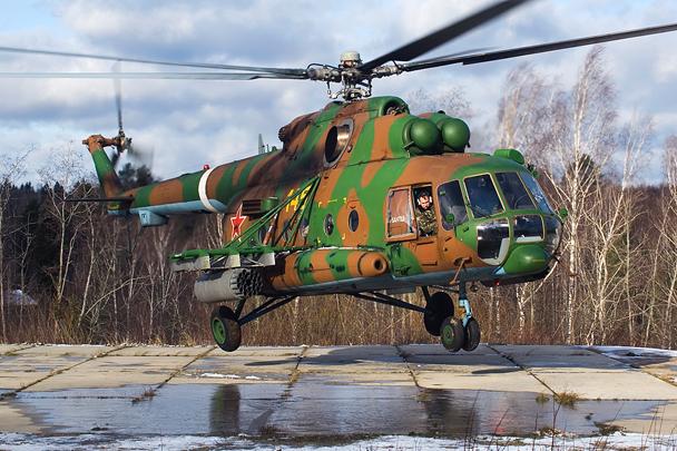 Вертолет Ми-8АМТШ - новейшая модицикация легендарного МИ-8 - на взлете