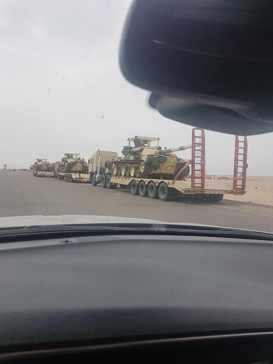 Первые кадры с прибывшими из России Т-90 в Ираке