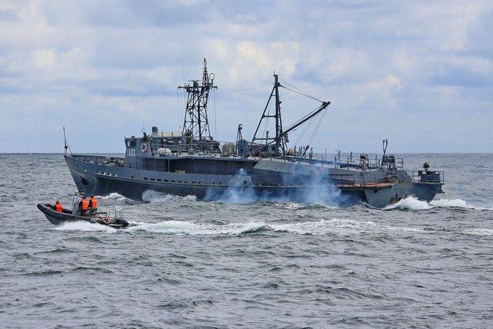 Катер-торпедолов ТЛ-1603 проекта 1388 Балтийского флота (с) www.arms-expo.ru