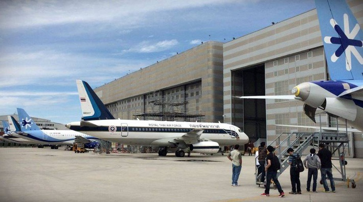 XA-MRM в центре костюмизации SuperJet Internationalв Венеции, готов к передаче. Фото@AvionRevueInt