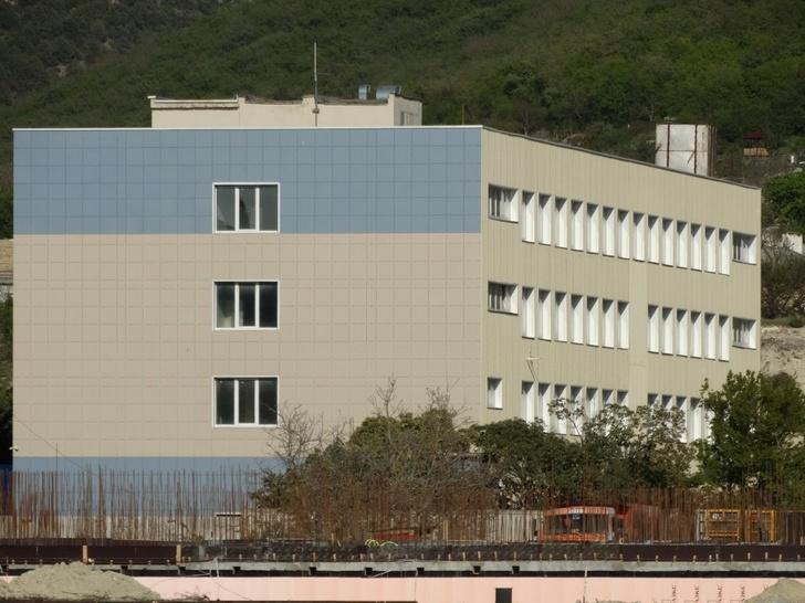 На фото: строительство новой базы Береговой охраны УФСБ по республике Крым в Инкермане. Апрель 2020