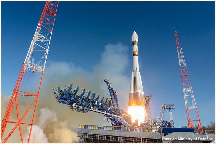 Взлет ракеты Союз-2.1а во время второго запуска Барс-М 24 марта 2016 года