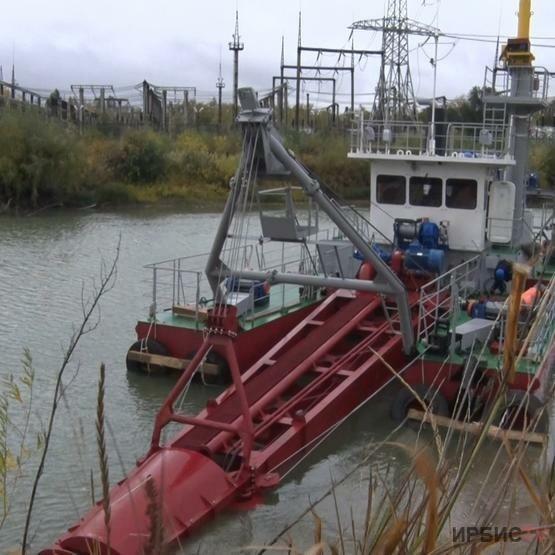 На Аксуской электростанции АО «ЕЭК» спущен на воду новый земснаряд