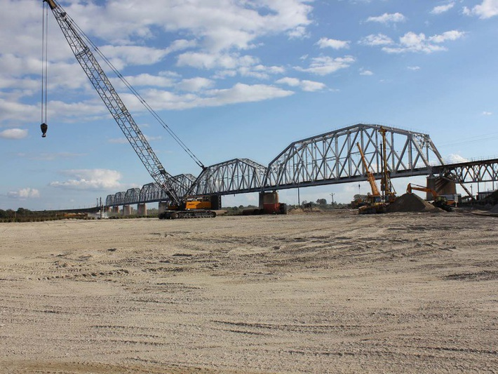 Мост через Зею