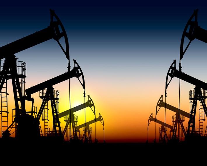 Картинки по запросу добыча нефти фото