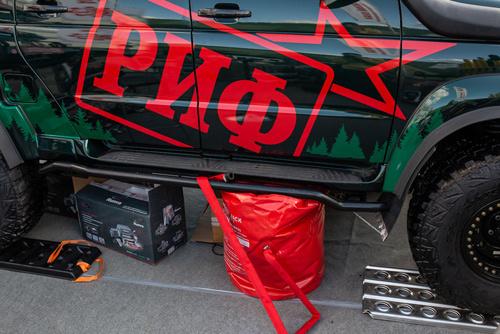 УАЗ Пикап с первым заводским лифт-комплектом подвески РИФ на 4 дюйма.
