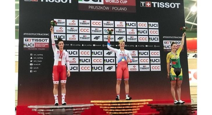 Аверина выиграла золото в скрэтче на этапе Кубка мира по велоспорту на треке в Польше