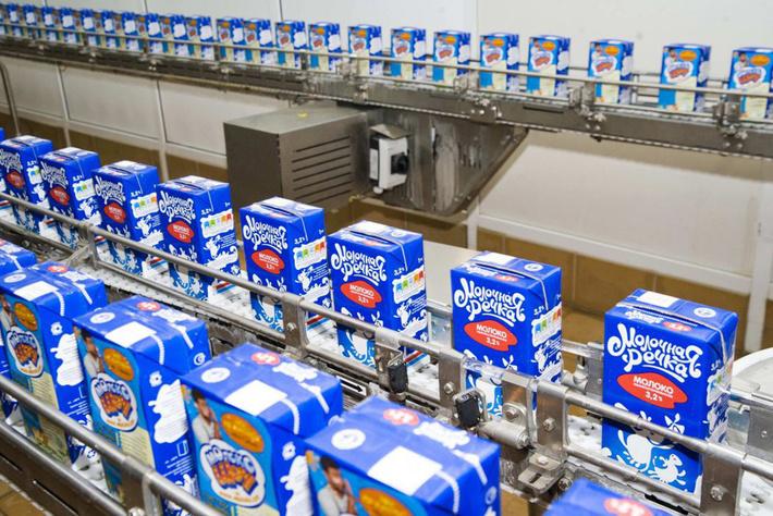 """На """"Сарапул-молоко"""" запущена новая линия по розливу молочных продуктов"""
