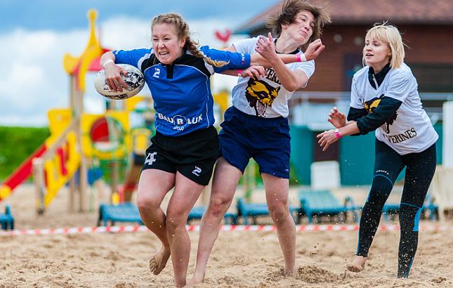 Первый в истории чемпионат Европы по пляжному регби выиграла женская сборная РФ