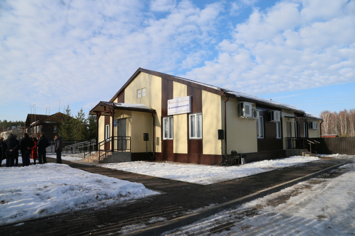 Здание нового фельдшерско-акушерского пункта «Дутшево» в поселке Раменский Дмитровского района.