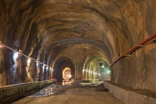 http://mw2.google.com/mw-panoramio/photos/medium/91763878.jpg