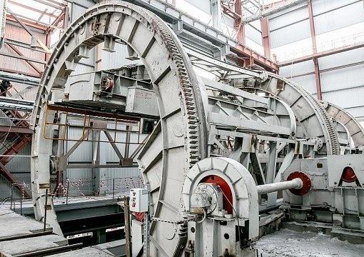 На ММК в горно-обогатительном производстве запущен новый вагоноопрокидыватель