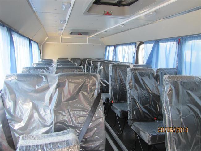 автобусы рассчитаны на перевозку тридцати двух человек