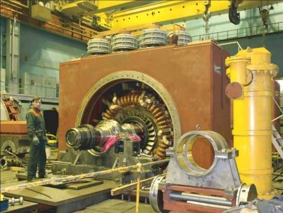 На фото Владимира ТИМОФЕЕВА: рязанский турбогенератор в КМТ «Электросилы»