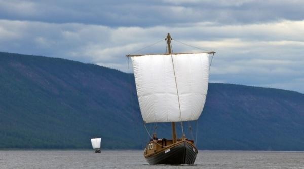 торжественная церемония спуска на воду кочей «Святитель Николай» и «Апостол Андрей» состоялась 29 мая 2011 года в Петрозаводске, где и были построены поморские суда